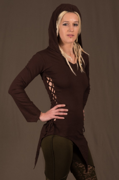 T32 - Top with sleeves in Cotton-lycra with assymetric down peaks, peak hood and linked open sides