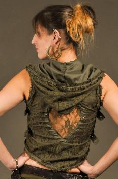 Boléro Capuche Dentelle avec Dos-nu et Boucles de cotés en bronze